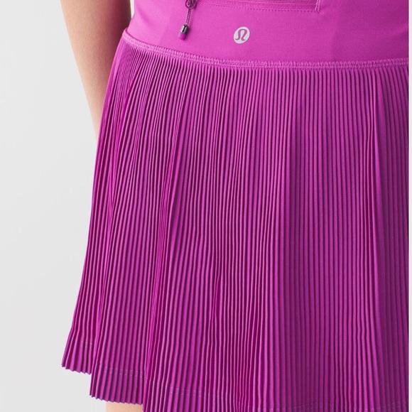 lululemon athletica Dresses & Skirts - new lululemon skirt Pleat to Street  III size 6